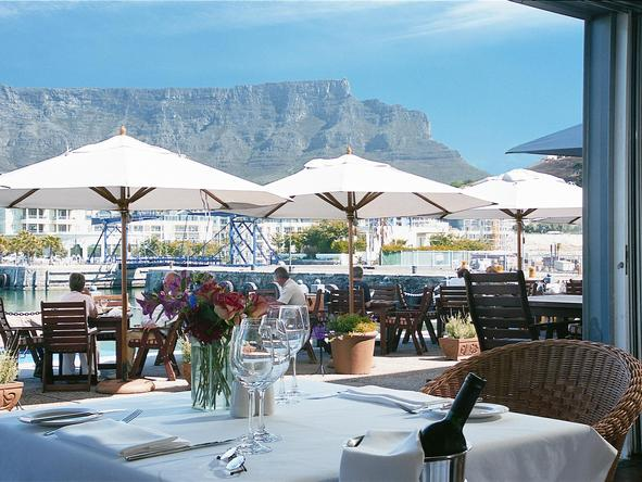 Victoria and Alfred Hotel - table mountain view from dining table