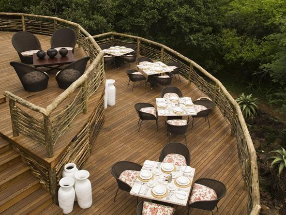 Phinda Mountain Lodge - lodge deck