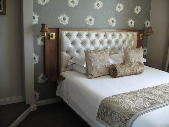 Winchester Mansions - luxury room