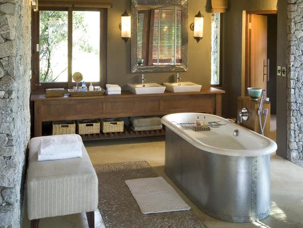 Leadwood Lodge - bathroom