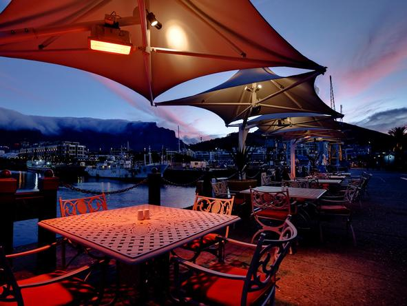 Victoria and Alfred Hotel - evening dining outdoor