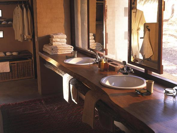 Sandibe Okavango Safari Lodge - bathroom