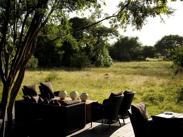 Phinda Forest Lodge - lodge deck