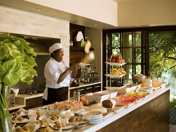 Phinda Forest Lodge - interactive kitchen