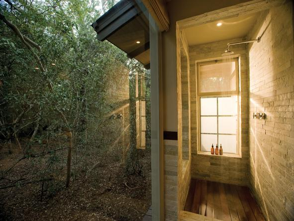 Phinda Forest Lodge - inside shower