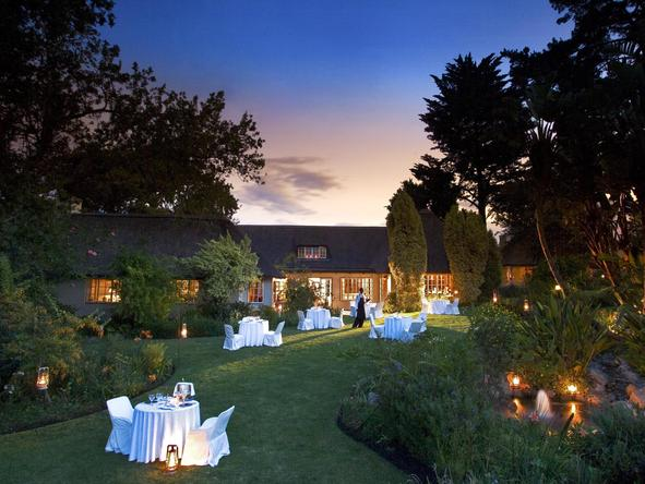 Hunters Country House - outside dining
