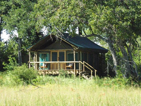 Duba Plains Camp - exterior view