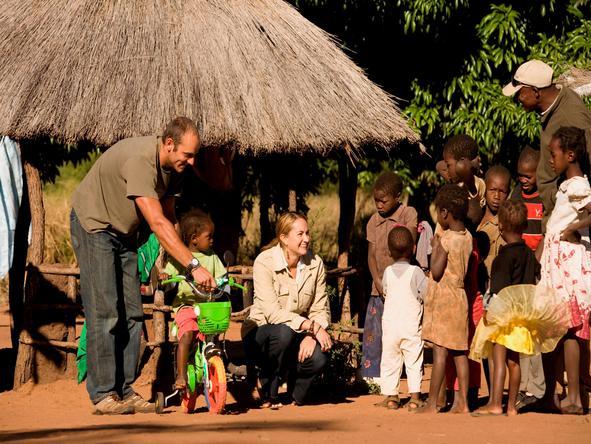 Sussi and Chuma Lodge - local kids