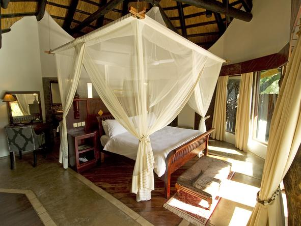Sussi and Chuma Lodge - bedroom 1