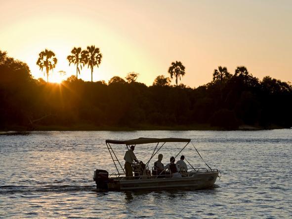 Sussi and Chuma Lodge - boat cruise