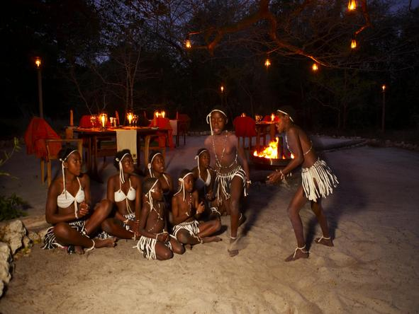 Kosi Forest Lodge - dancers