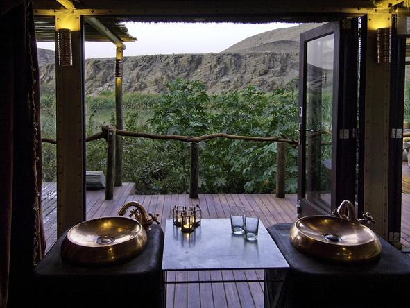 Serra Cafema Camp - bathroom