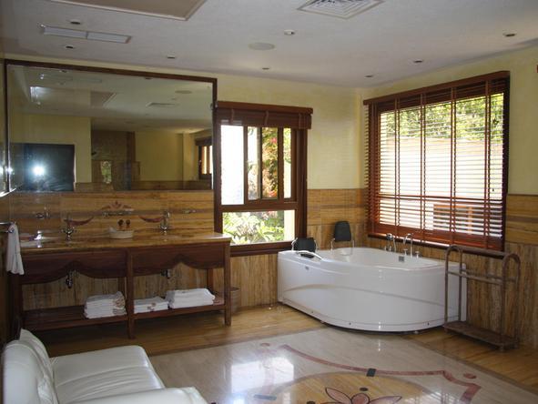 Almanara Luxury Villas - Bathroom