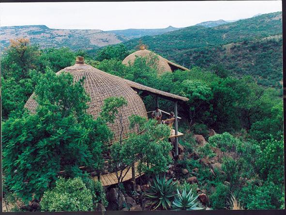 Isibindi Zulu Lodge - suites exterior