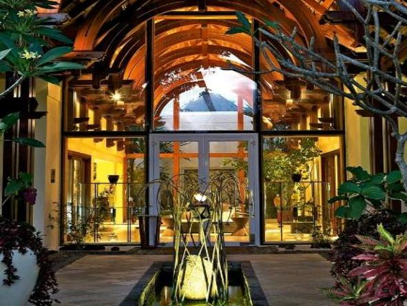 Le Touessrok Hotel - The grand entrance to Le Toussrok Hotel.