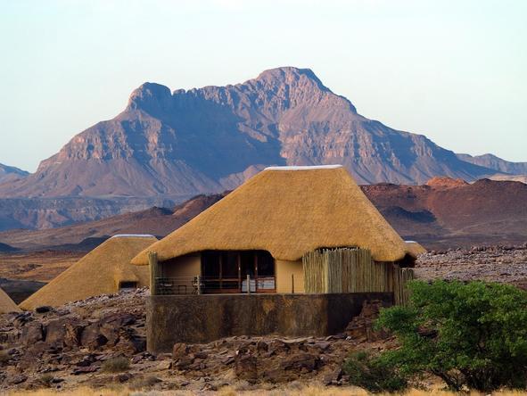Doro Nawas Camp - exterior