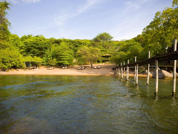 Mumbo Island Camp - lake