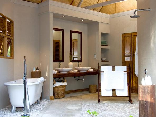 Denis Private Island Lodge - bathroom