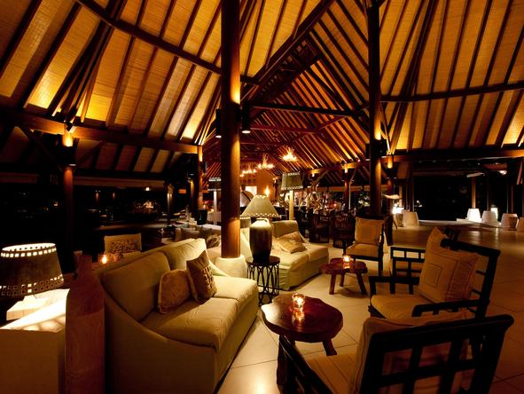Denis Private Island Lodge - main lounge at night