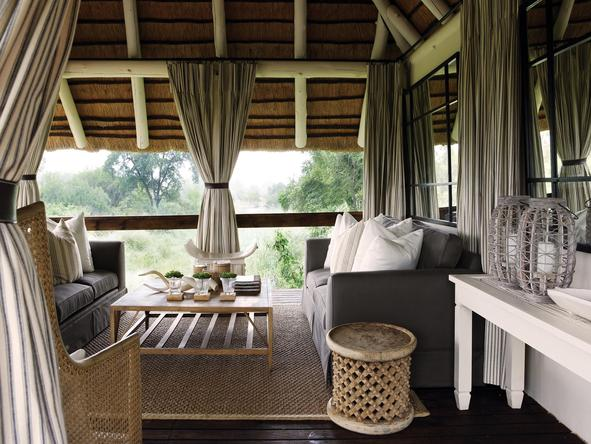 Londolozi Founders Camp - lounge overlooking forest