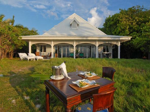 Cousine Island Hideaway - outdoor dining