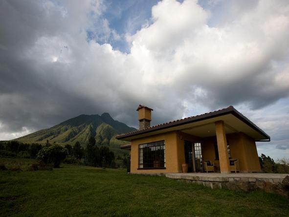 Sabyinyo Silverback Lodge - exterior view