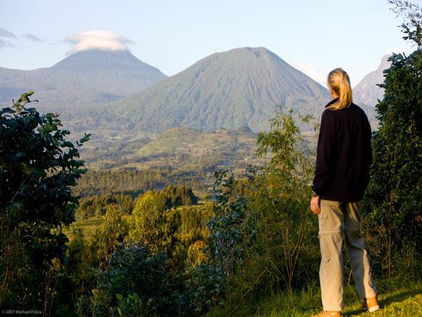 Sabyinyo Silverback Lodge - mountain viewpoint