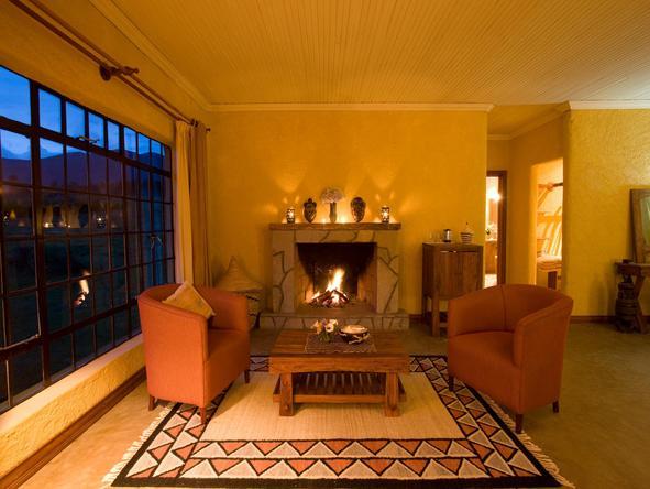Sabyinyo Silverback Lodge - lounge