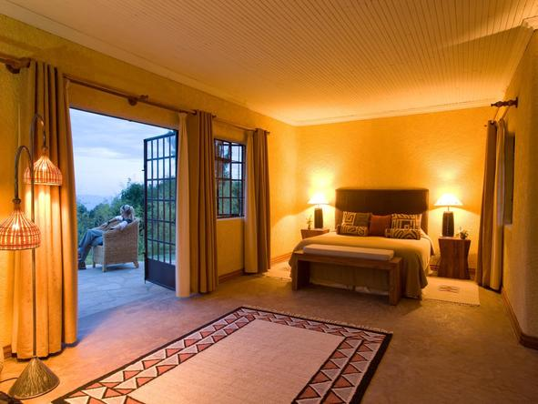 Sabyinyo Silverback Lodge - bedroom