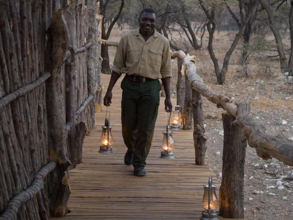 Onguma Tree-Top Camp - lamps on walkway