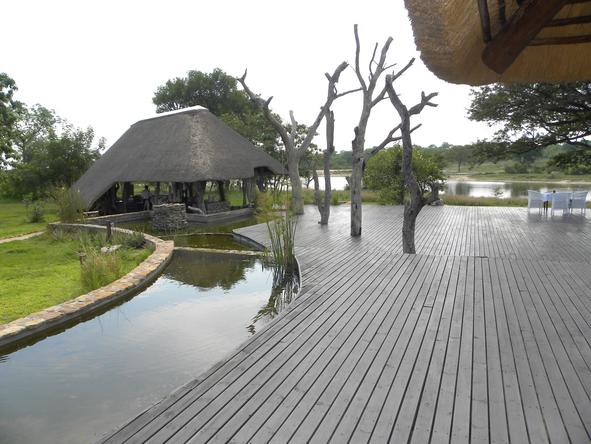 Chitwa Chitwa Game Lodge - Deck