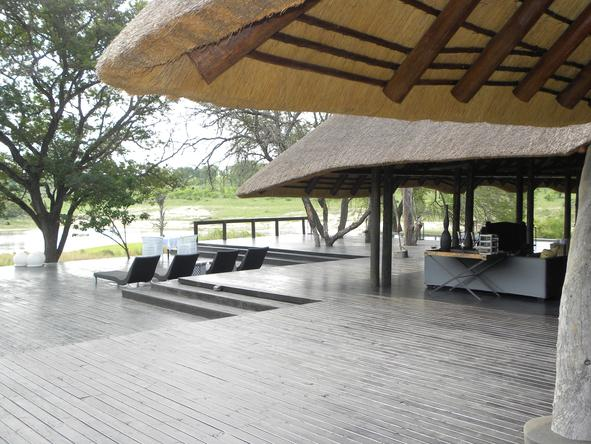 Chitwa Chitwa Game Lodge - Deck 2