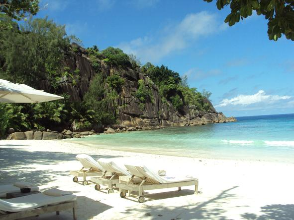 Four Seasons Resort Seychelles - laze on the Four Seasons beach