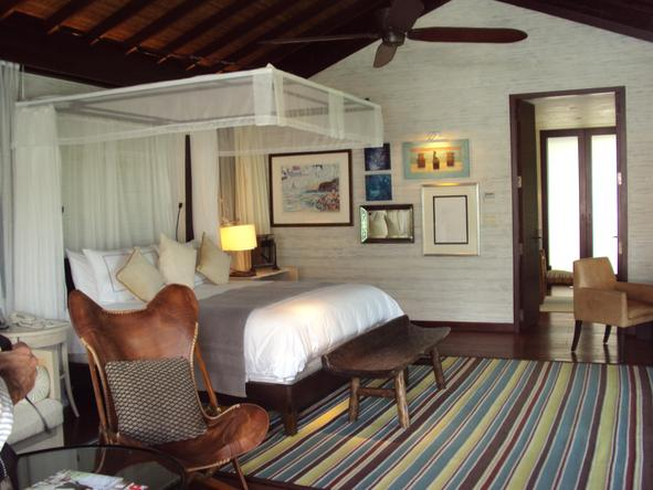Four Seasons Resort Seychelles - luxury bedroom