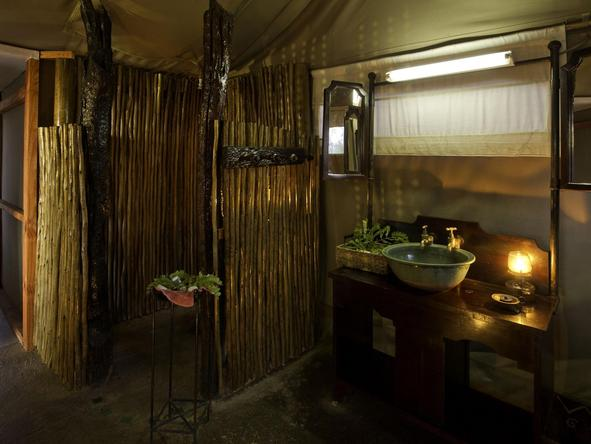 Davison's Camp - bathroom