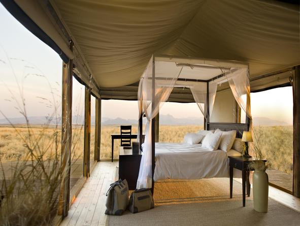 Wolwedans Dunes Lodge - desert bedroom