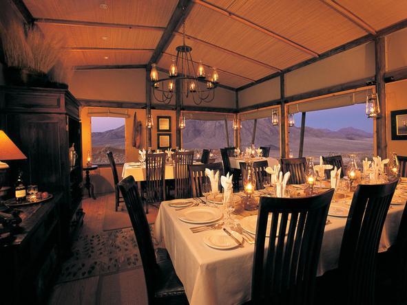 Wolwedans Dunes Lodge - desert dining
