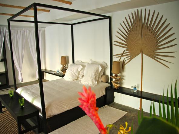 Bliss Hotel - bedroom 1