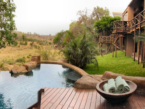 Lukimbi Safari Lodge - swimming pool