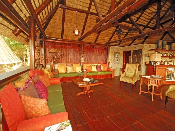 Lugenda Wilderness Camp - rustic lounge