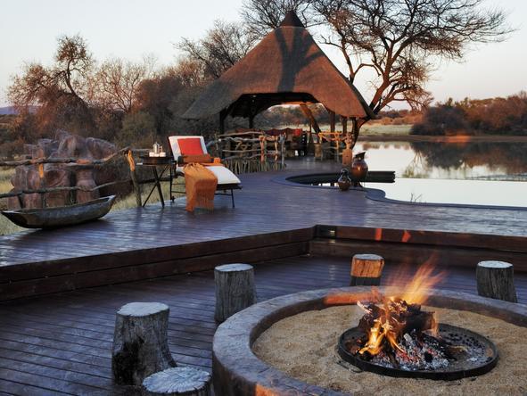 Okonjima Villa - campfire