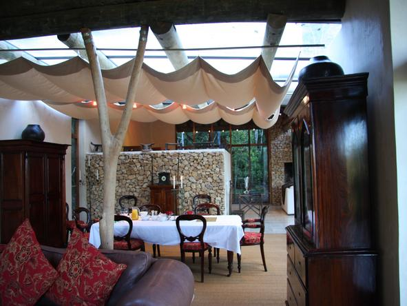Trogon House - dining room