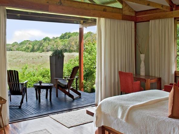 Makakatana Bay Lodge - luxury room