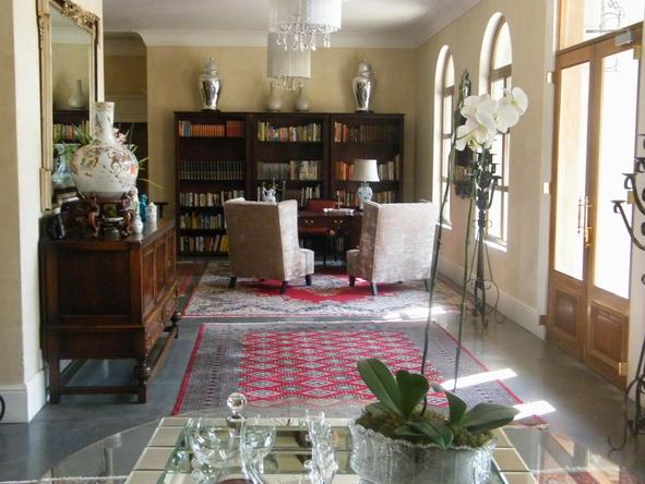 Fairlawns Boutique Hotel - Library