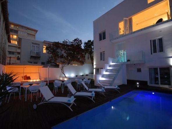 Villa Zest Boutique Hotel - swimming pool at nigth