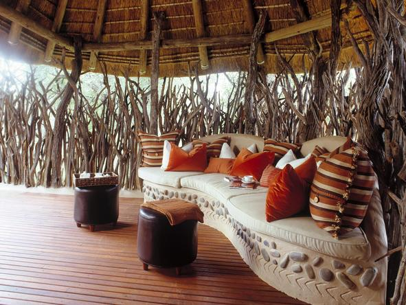 Makanyane Safari Lodge - indoor lounge