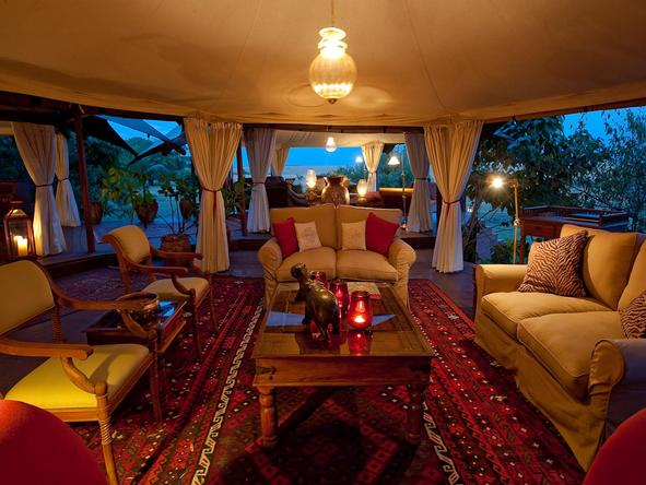 Mara Plains - main lounge