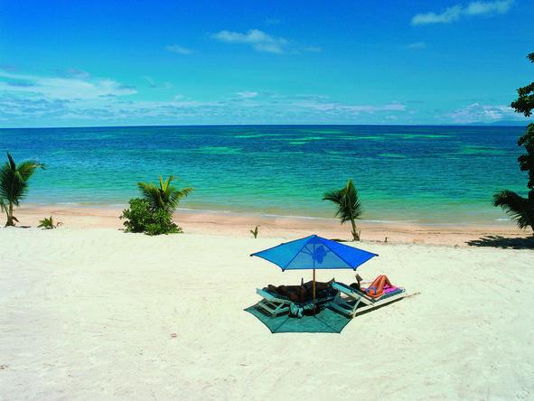 Coco De Mer - beach