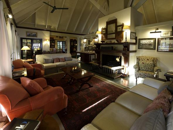 The River Club Lounge