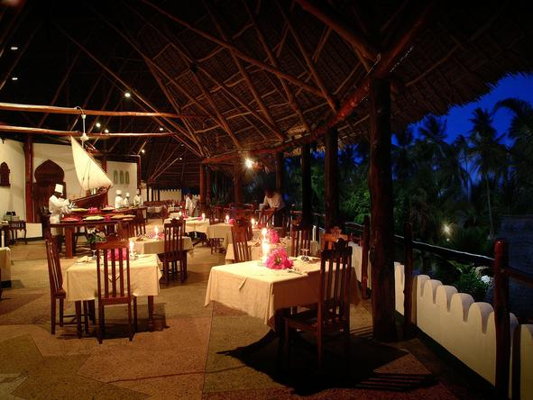 Sandies Mapenzi Beach Club - Dining